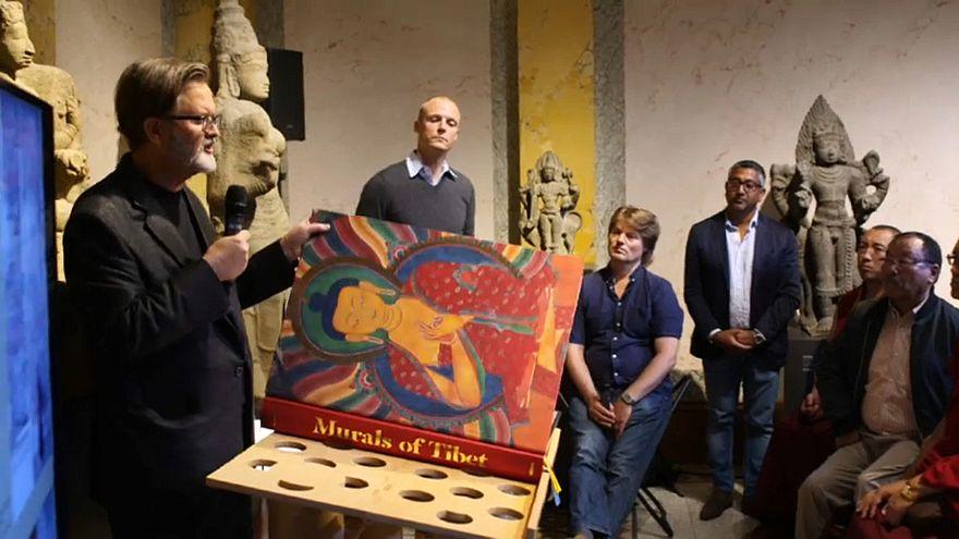 The book of Tibetan murals will cost 10,000 euros