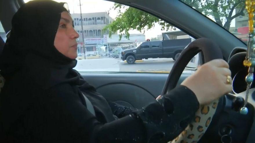 La prima taxista donna in Iraq