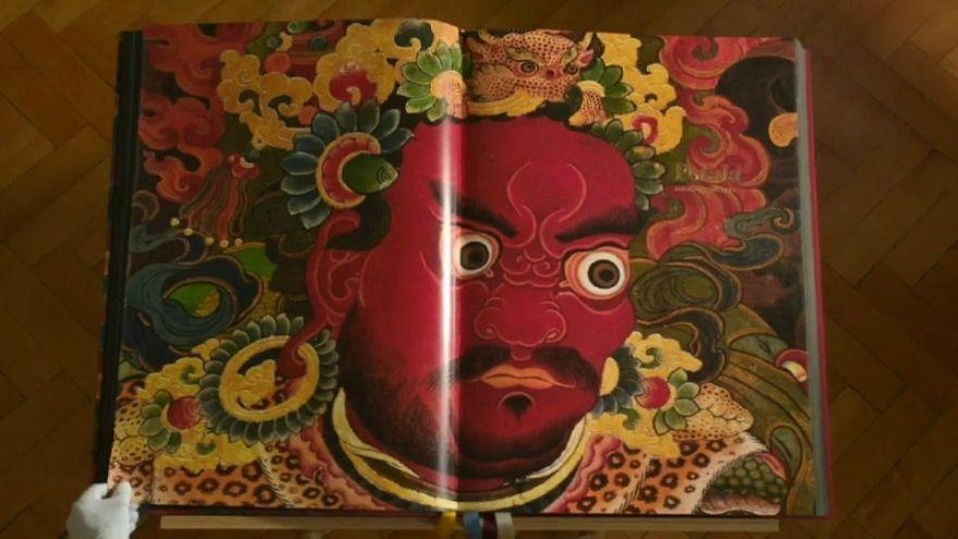 I tesori del Tibet in un libro da 10.000 Euro