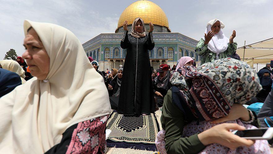 İsrail'e Brüksel'de ayakkabılı protesto