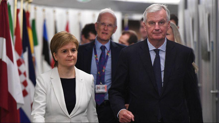 Londont a skót első miniszter is nyomasztja brexit-ügyben
