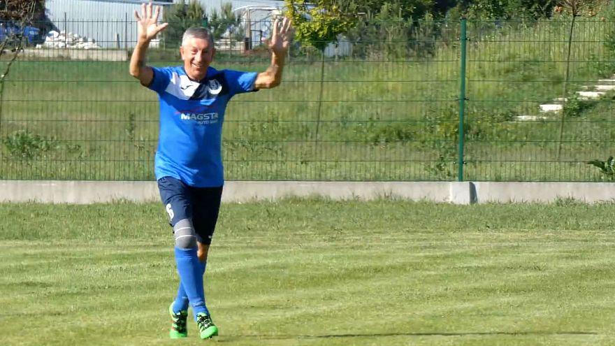 VIDEÓ: Így lőtt gólt Lengyelország legidősebb focistája