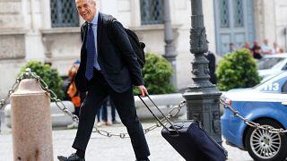 Cottarelli atteso al Colle con la lista dei ministri, intanto i partiti chiamano alla mobilitazione