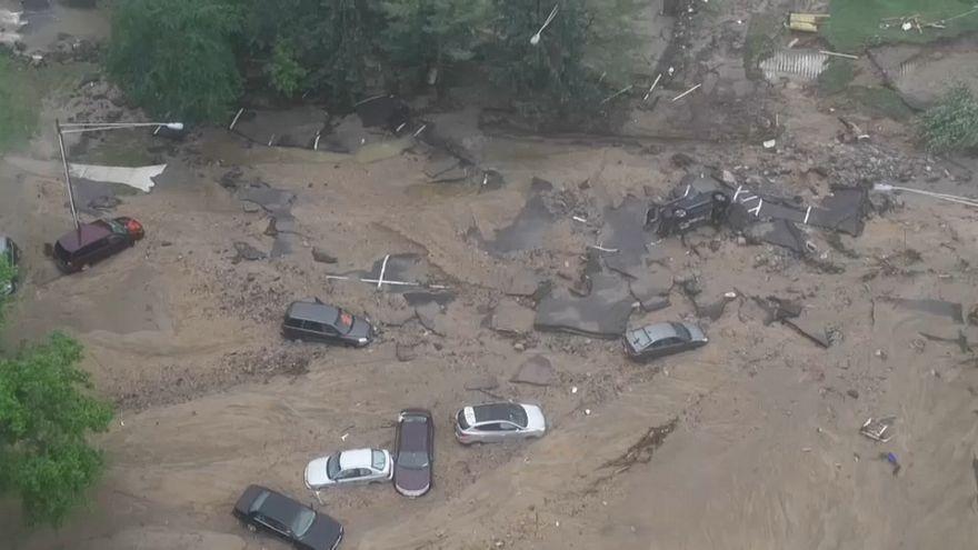 """Inundações """"varrem"""" Ellicott City nos EUA"""