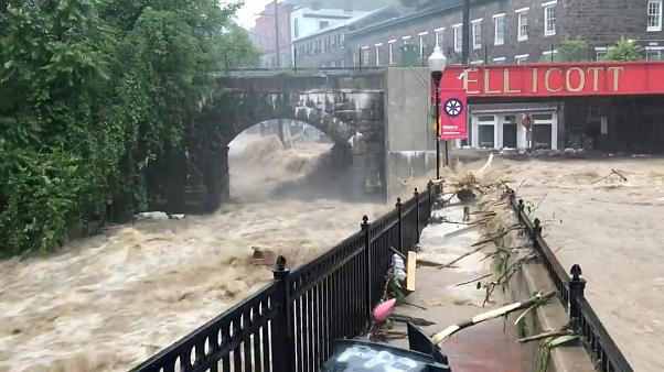 Usa: alluvione nel Maryland, le strade di Ellicott City un fiume in piena