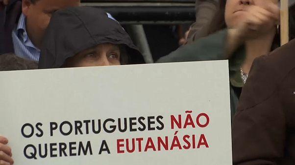 Portogallo: il parlamento dice no all'eutanasia