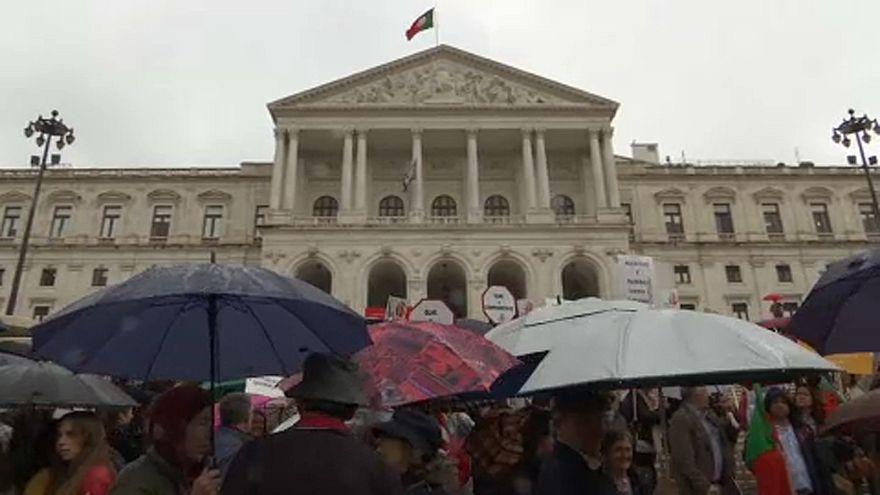 Az aktív eutanáziáról szavaz a portugál parlament