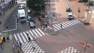 جانب من حادثة إطلاق النار في مدينة لييج شرق بلجيكا