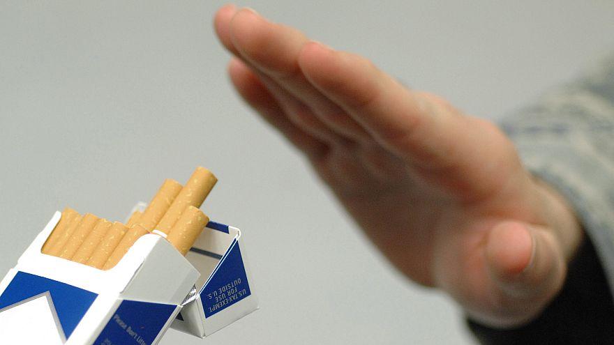 مليون مدخن أقلعوا عن التدخين في فرنسا عام 2017.. ما السر؟