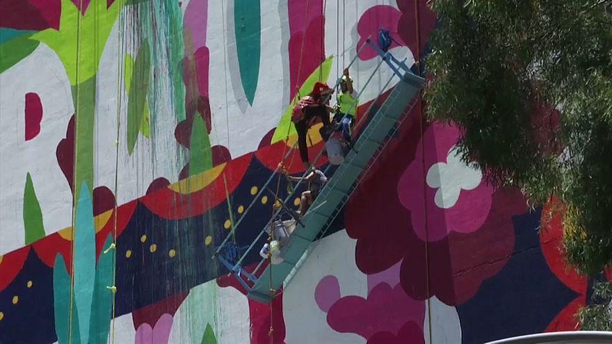 Meksika: iskelesi çöken dört ressam 20 metre yüksekte asılı kaldı