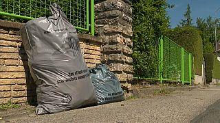 Швейцарцы выносят мусор во Францию