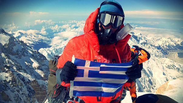 Έλληνας αστυνομικός κατέκτησε κορυφή των Ιμαλαΐων (+video)