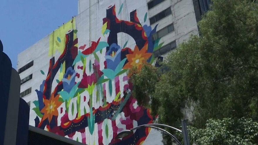 Artistas que pintavam mural em edifício tiveram de ser resgatados