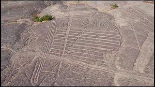 Geóglifos encontrados no deserto do Peru