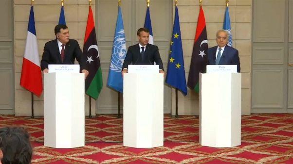 Líderes líbios acordam em Paris a realização de eleições