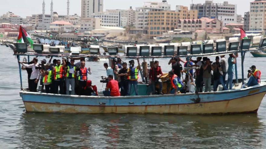 Los palestinos desafían el bloqueo marítimo israelí lanzando una flotilla que no es tan libre como esperaban