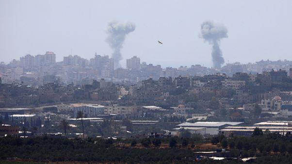 حركتا حماس والجهاد تطلقان صواريخ من غزة واسرائيل ترد بضربات جوية