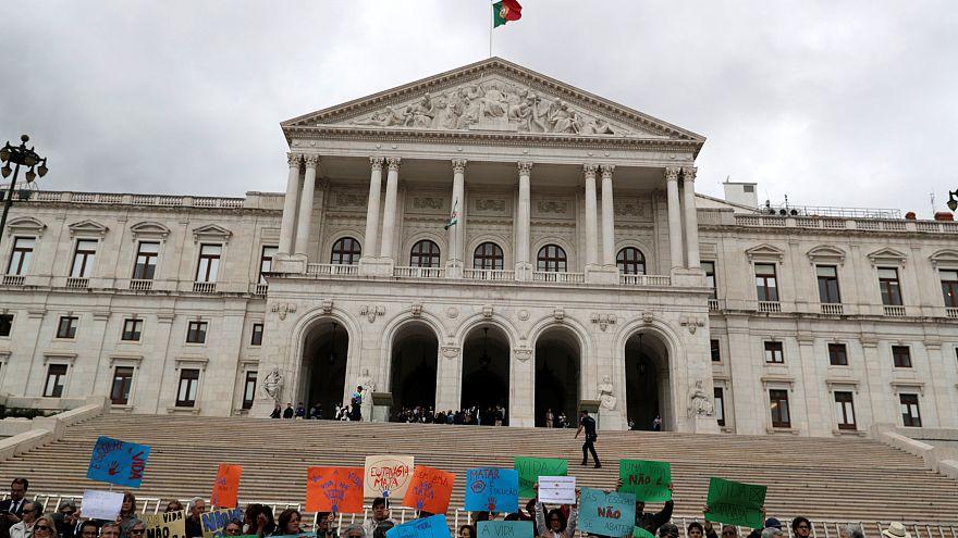 Despenalização da eutanásia chumbada na Assembleia da República