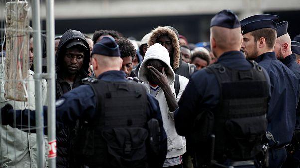 تخلیه اردوگاه پناهجویان پاریس