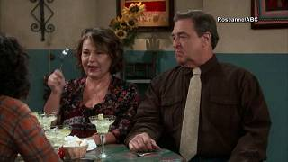 """ABC cancela série """"Roseanne"""""""