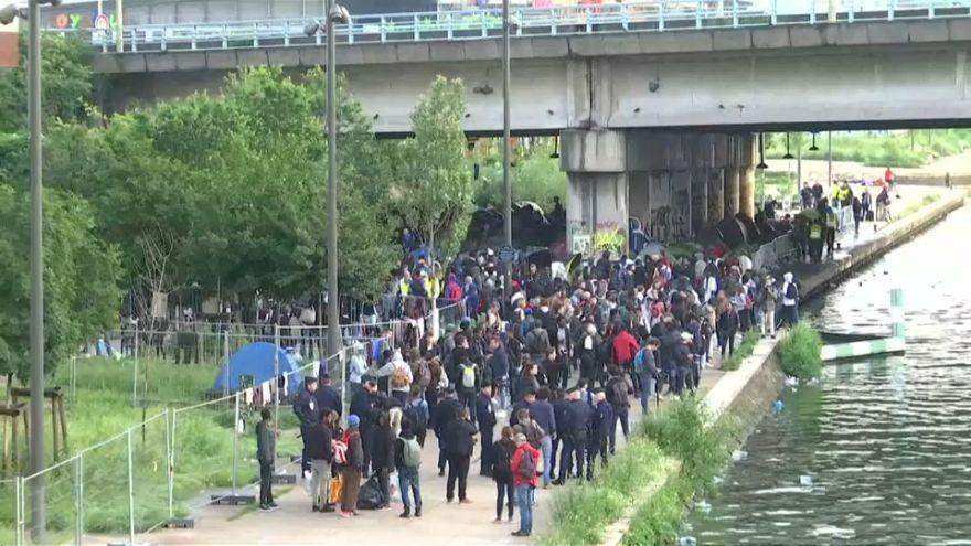 Fransız polisi Paris'te göçmen kampını dağıttı