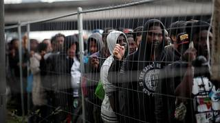 Polizei räumt Flüchtlingslager mit 2000 Bewohnern
