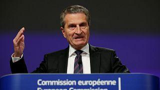 Bocsánatot kért az uniós biztos