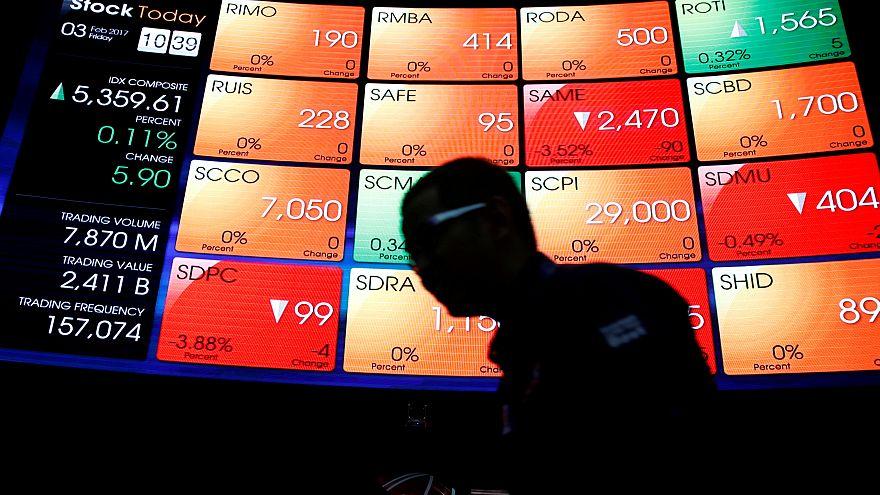 La Bourse de Milan respire, les autres attendent