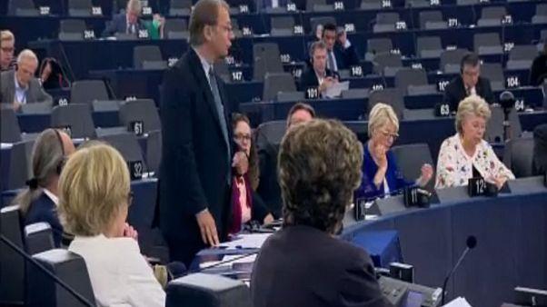 Η ...γκάφα του Έτινγκερ και οι λαϊκιστές στην Ευρώπη