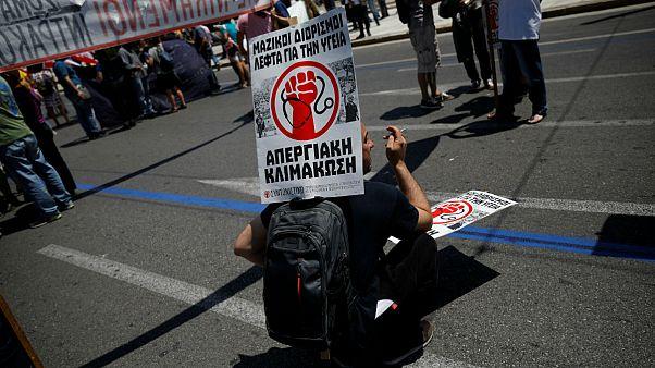 Leállt az élet Görögországban