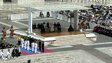 البابا فرانسيس يحضر استعراضا في لعبة التايكواندو من أجل السلام