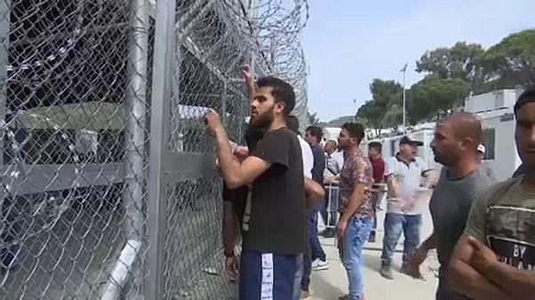 Migrante num centro de acolhimento na Europa