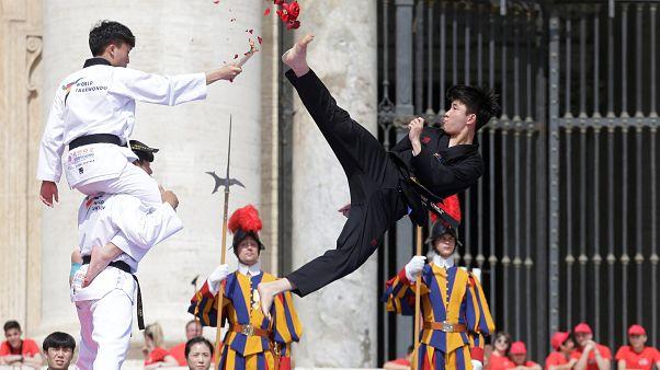 Βατικανό: Το ταϊκβοντό «ενώνει» Βόρεια και Νότια Κορέα!