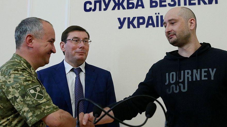 Δάκρυα χαράς από τους συναδέλφους του Ρώσου δημοσιογράφου