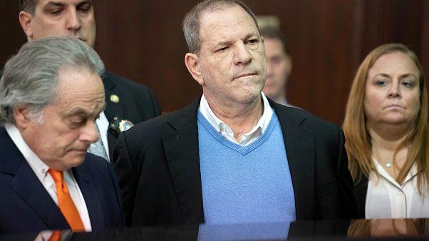 Weinstein indiciado por violação