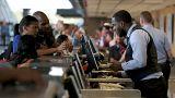 Δικαίωμα αποζημίωσης ακόμη και σε transit πτήσεις αποφάσισε το ΔΕΕ