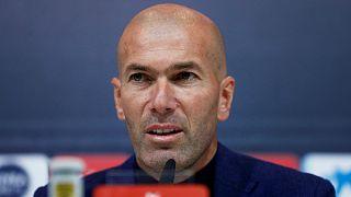 Zinedine Zidane Real Madrid teknik direktörlüğü görevinden istifa etti