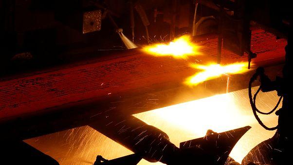 Estados Unidos desencadena la guerra del acero