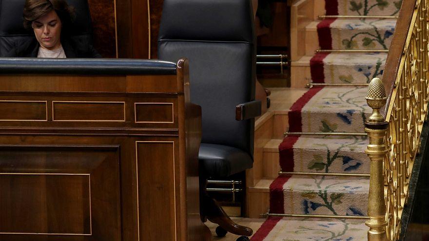 ¿Dónde estaba Rajoy mientras se debate su destitución? (Bis)