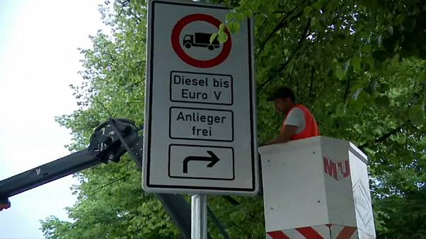 Signs go up in Hamburg warning motorists