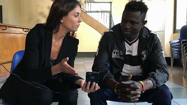 """Mamoudou Gassama: Der """"Spiderman von Paris"""" im Interview"""