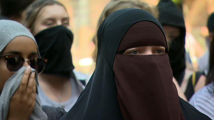 """Bei Verschleierung Bußgeld: Dänemark beschließt """"Burka-Verbot"""""""