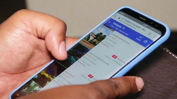 أوغندا تفرض ضريبة على مستخدمي مواقع التواصل الاجتماعي
