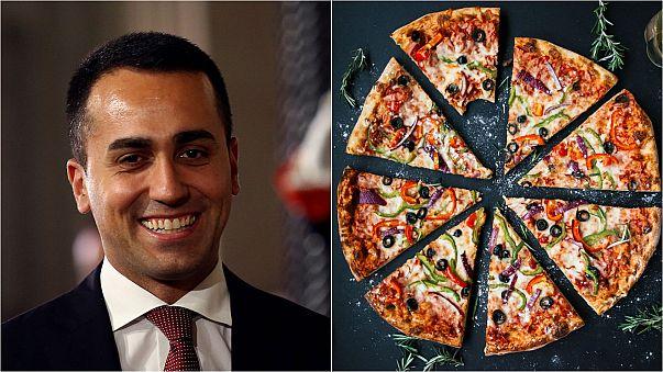 Di Maio sirve un trozo de pizza al populismo para contraatacar a Oettinger de la UE