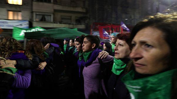 Abortuszellenes tánc Argentínában