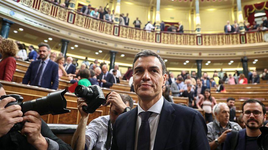 "180 Mal ""Sí"": Rajoy abgewählt, Sánchez regiert Spanien"