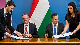 Stratégiai megállapodást írt alá Magyarország az Exxonnal