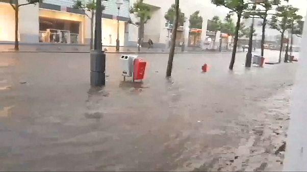 Starkregen setzt Lüttich unter Wasser