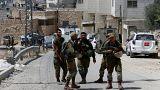 مقتل فلسطيني أثناء محاولته دهس جنود إسرائيليين في الخليل.