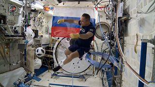 Un avant-goût de coupe du monde dans l'espace